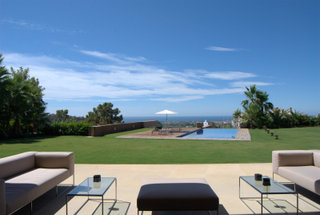 Modern villa for sale in la reserna de Alcucuz,Marbella real estate