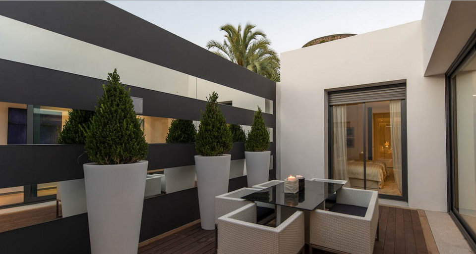 Contemporary beachfront villa for sale in Los Monteros Playa, Marbella